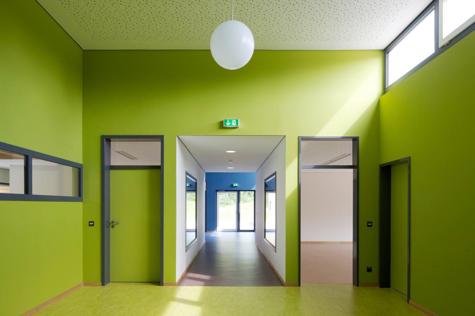 Kita Mosenthinstraße Spielhof Garderobe