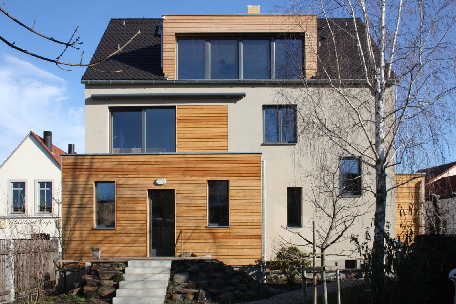 Sanierung Haus Friedrich Naunhof - Blick vom Hinterhof