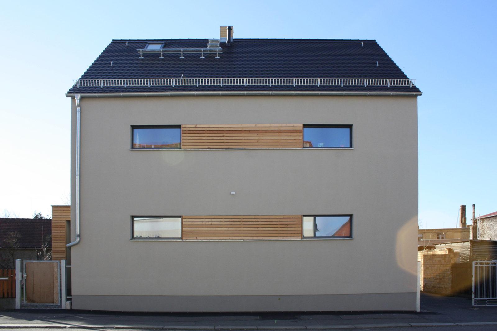 Sanierung Haus Friedrich Naunhof - Blick von der Straßenseite