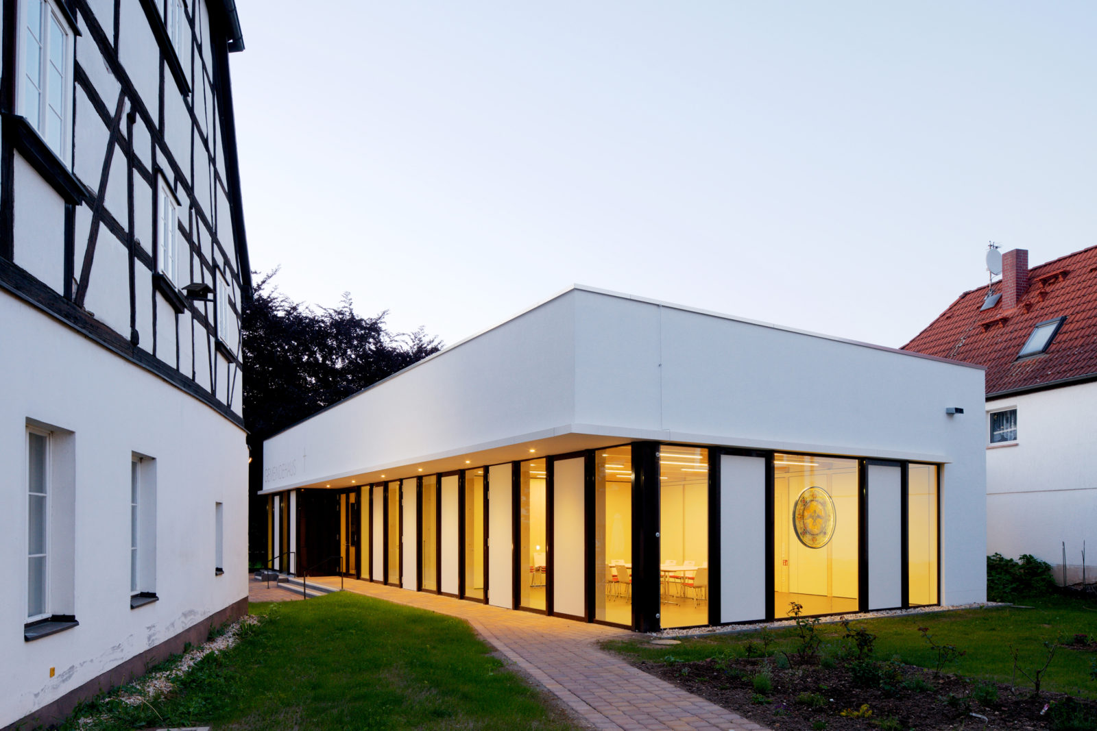 Neubau Gemeindehaus Hoffnungskirchgemeinde in Leipzig, Knauthain - Eingangsbereich