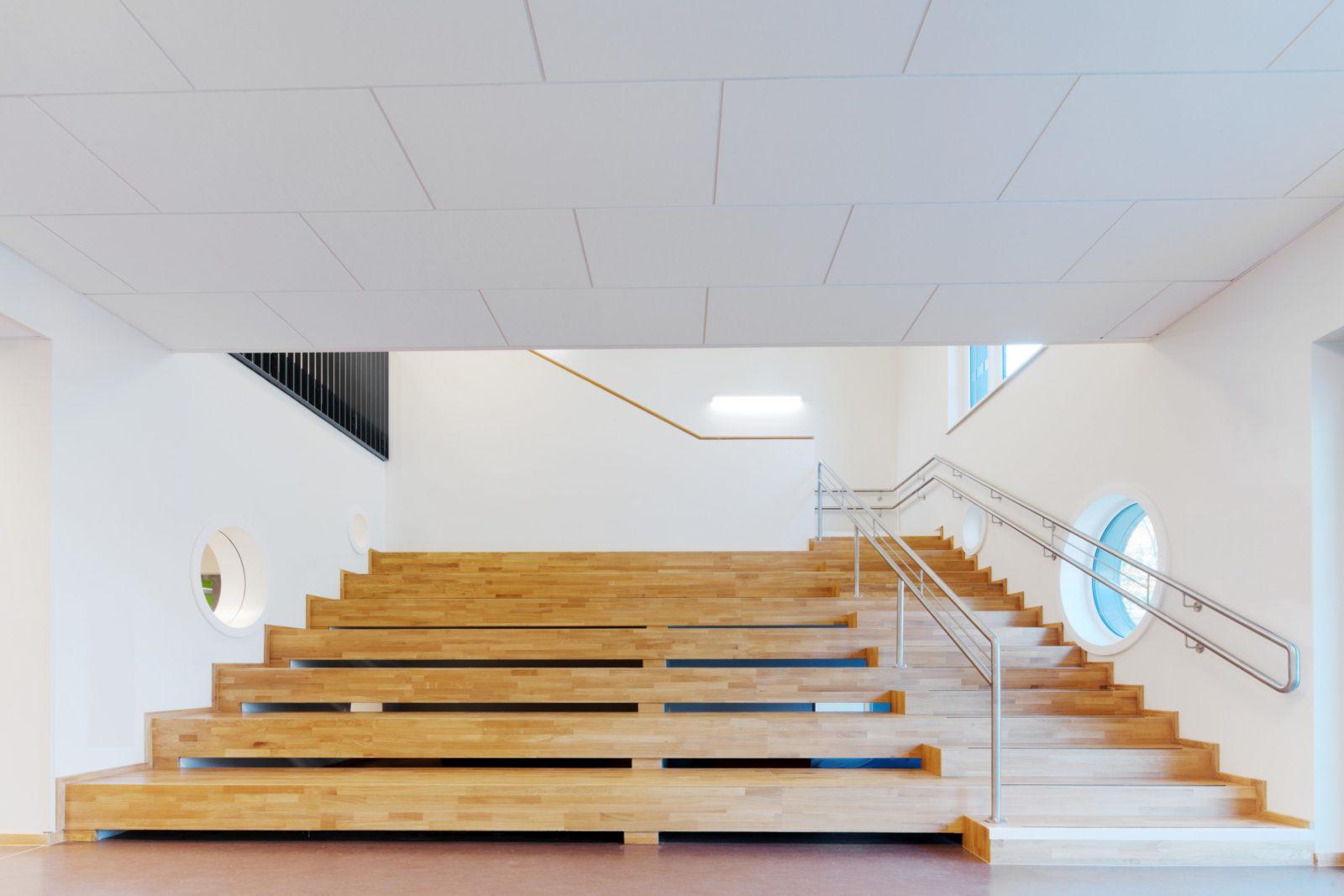 Neubau Kita und Förderschule an der alten Messe, Leipzig - Treppenanlage